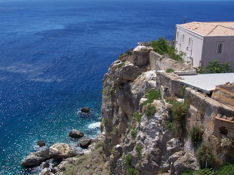 cliffs-san-nicola