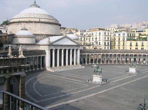 Piazza-del-Plebiscito