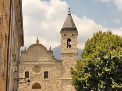 Castel-San-Vincenzo-town-church-Molise