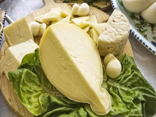 Abruzzo-Caciocavallo-Cheese
