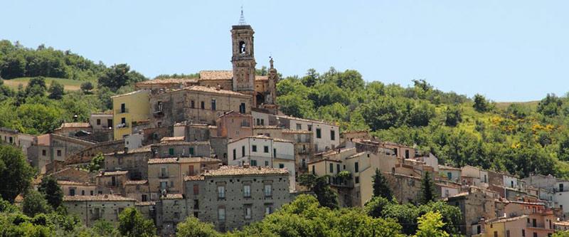 Lake-town-Abruzzo