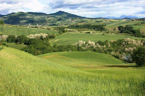 valley-and-hills-Bomba-Chieti-Abruzzo