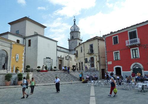 Sepino-Molise-Square-Neratio-Prisco