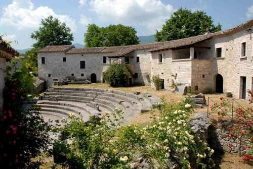 Theater-Saepinum-Sepino-Campobasso