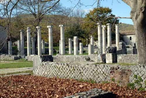 campus-Pool-porticus