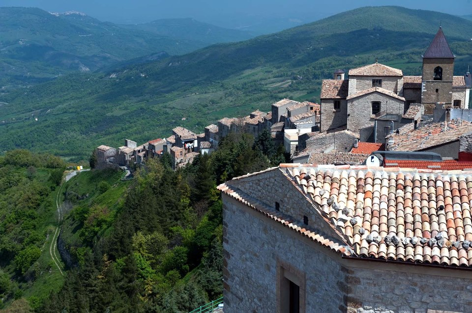 Panoramic view of Palmoli and the church of Santa Maria delle Grazie