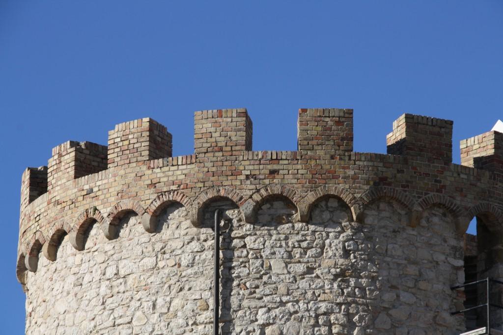castle-palmoli-abruzzo-italy