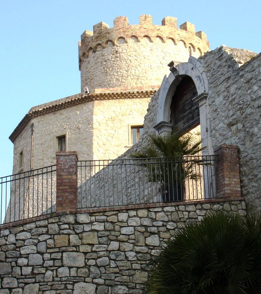 castle-palmoli