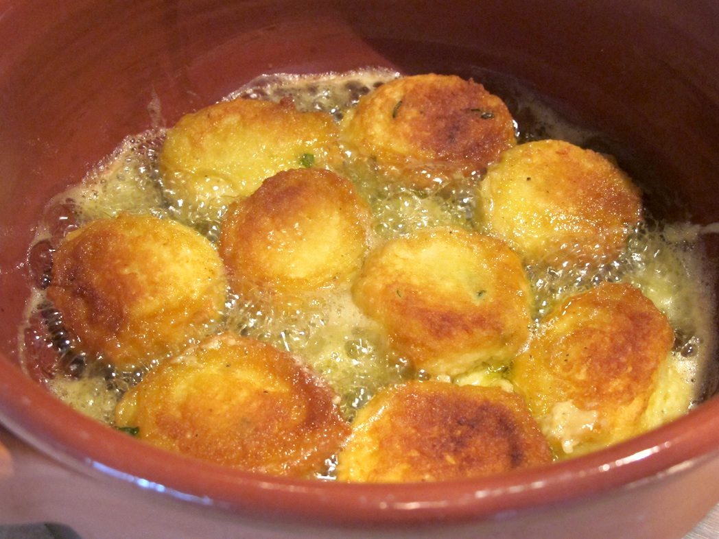 cheese-eggs-balls-oil