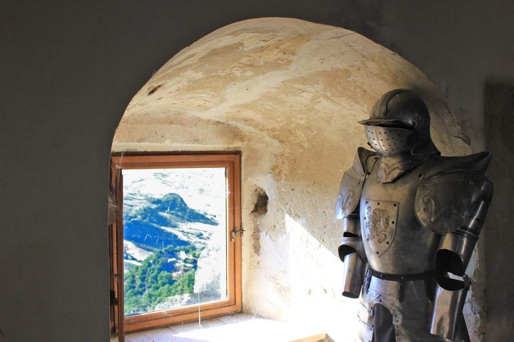 armor-the-castle-of-Roccascalegna
