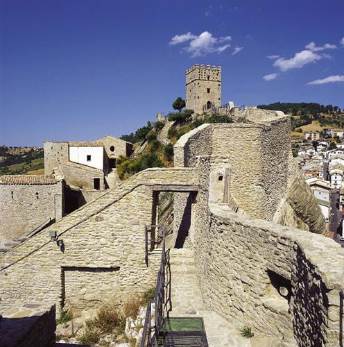 castle-of-court-Roccascalegna