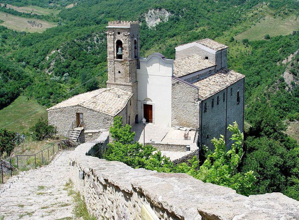 church-san-pietro-Roccascalegna-chieti-abruzzo