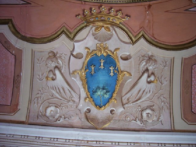 internal-palace-storic-casoli