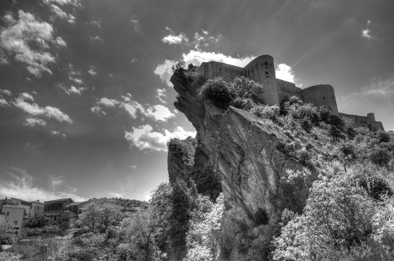 roccasalegna-ch-abruzzo-castle