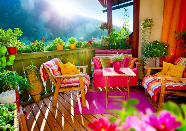 How to decorate the balcony or the terrace of your dreams house