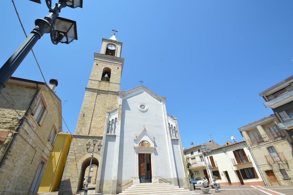 church-roccaspinalveti-abruzzo