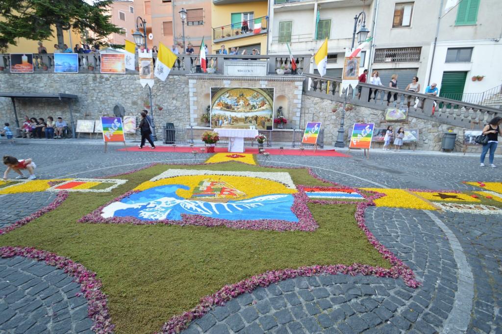 Carunchio-in-flower-event-chiei
