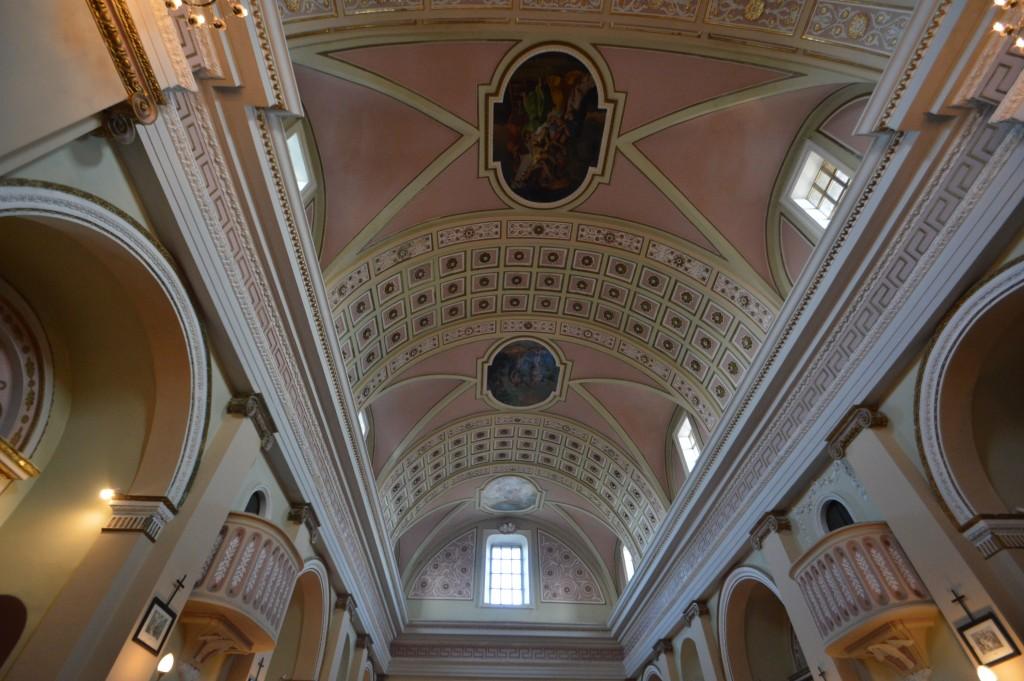 carunchio-internal-church