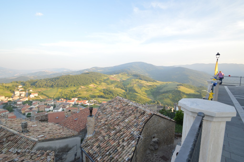 panoramic-view-of-carunchio-ch