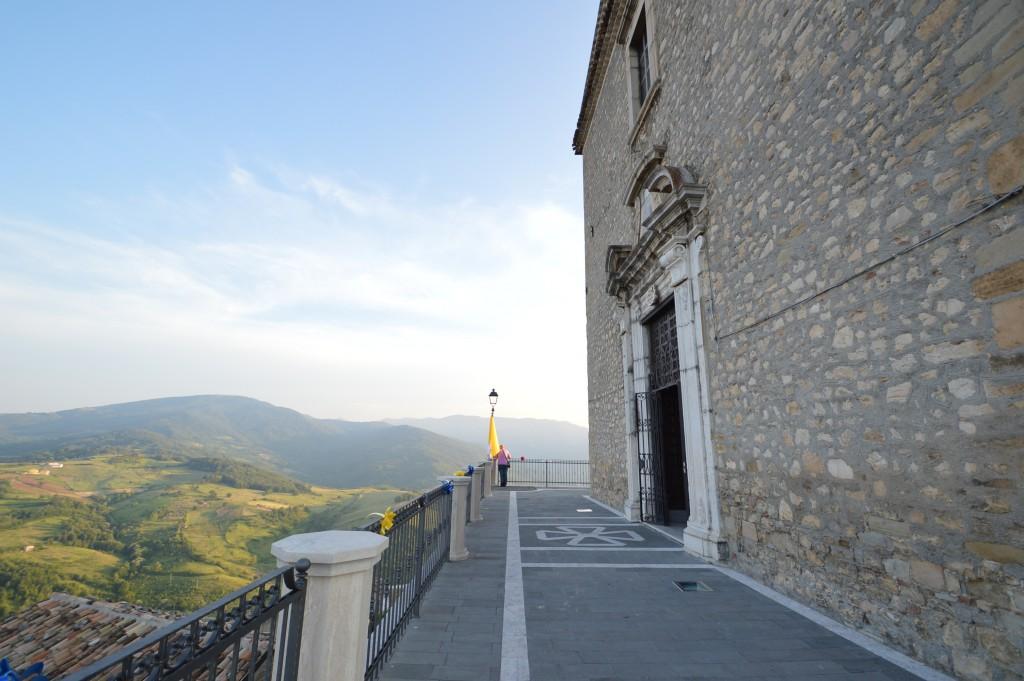 panoramic-view-of-carunchio