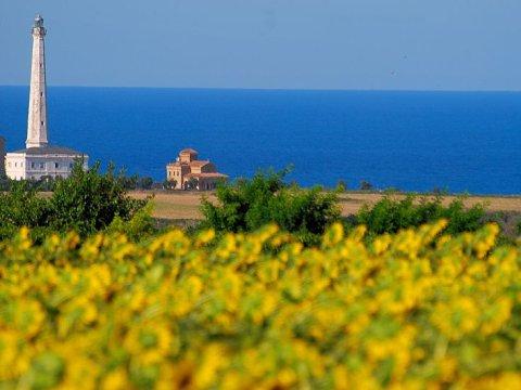 punta-penna-lighthouse