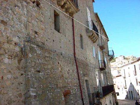 castelbottaccio palace
