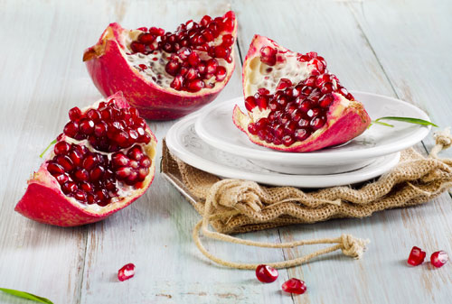 pomegranate-red-fruits