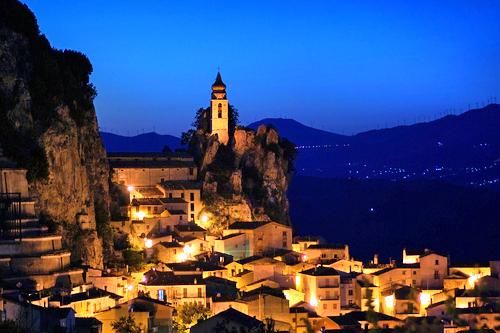 Bagnoli del Trigno by night