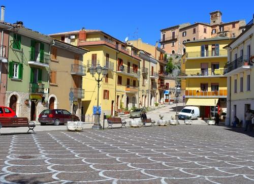 bagnoli-del-trigno-umberto-square