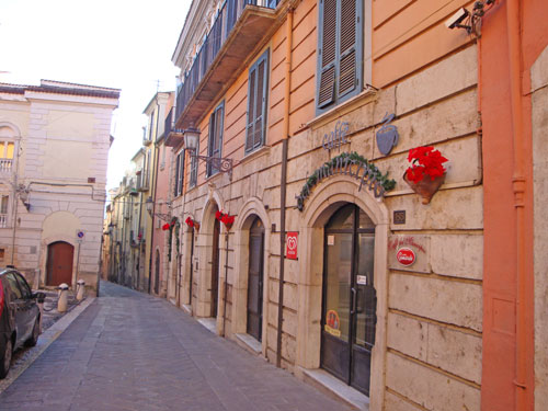 Borgo-vicoli-Isernia